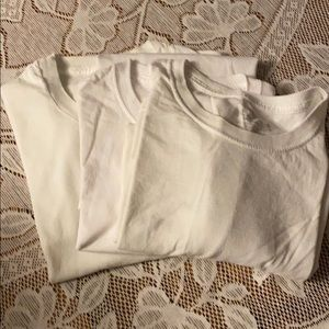 3 men's white t shirts
